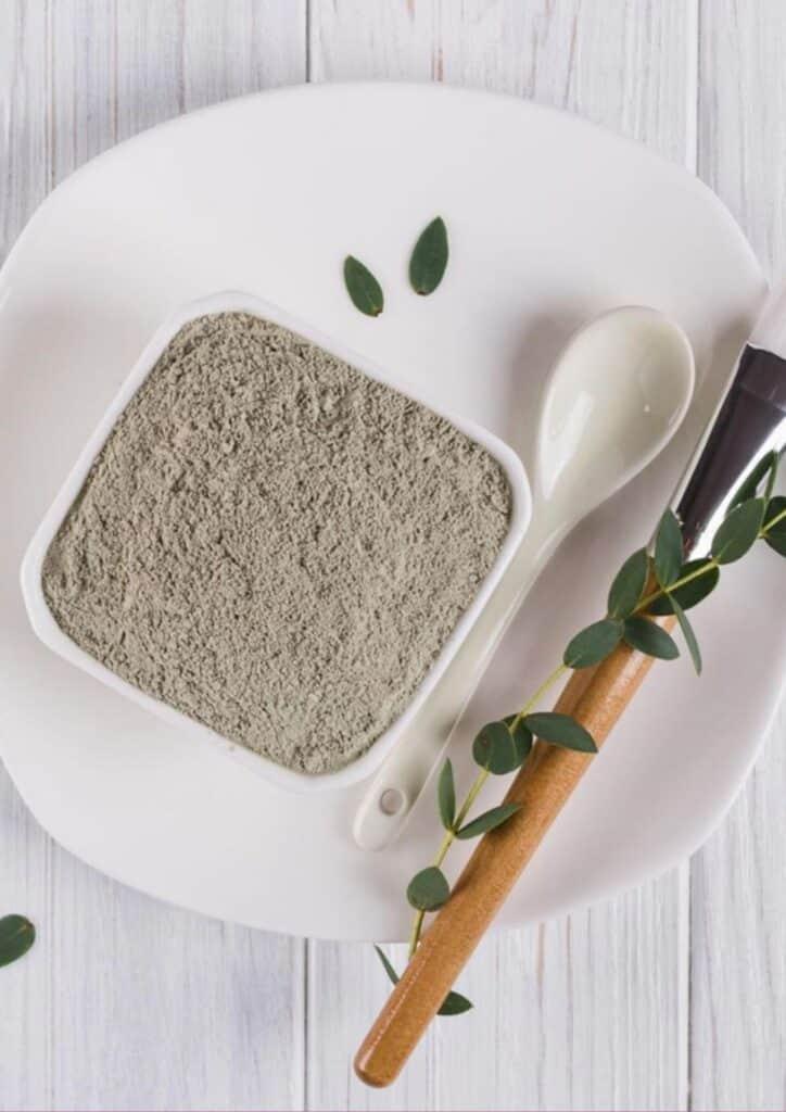 bentonite clay benefits for hair
